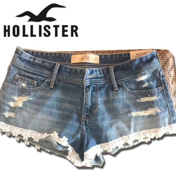 Hollister Pants - NWT Lace Trim Distressed Hollister Jean Shorts